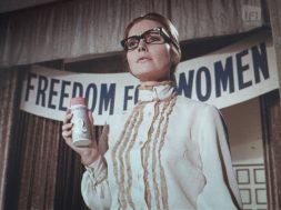 af9418_ifard2017015.19_spray_n_stay_freedom_for_women_version_1_mezzanine.01