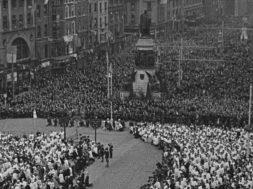 A Million People Kneel in Worship_01-min